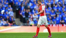 Arsenal captain Per Mertesacker to miss visit by Chelsea with minor ankle sprain