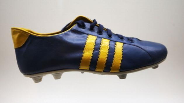 Así han evolucionado las botas de fútbol a través de los años  0cdecb19503f5